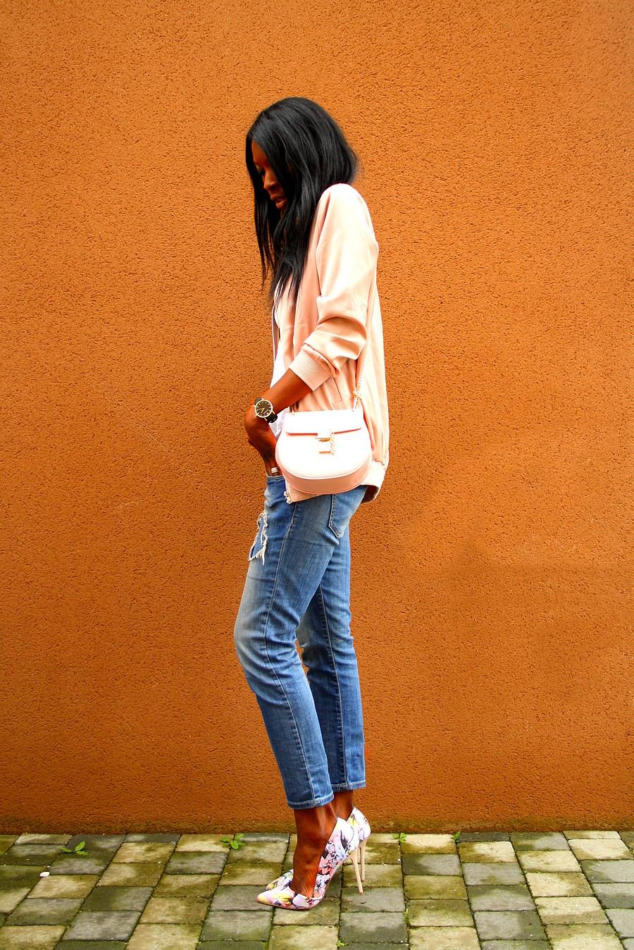 chloe-drew-bag-bombers-rose-satin-jeans-dechiré-zara-escarpins-imprimés