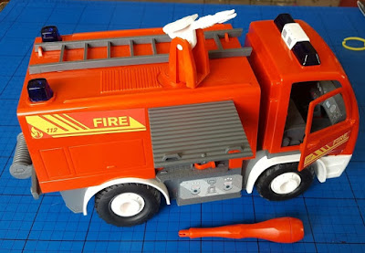 Revell Juniors model Stage 1 Fire Engine opening hatches