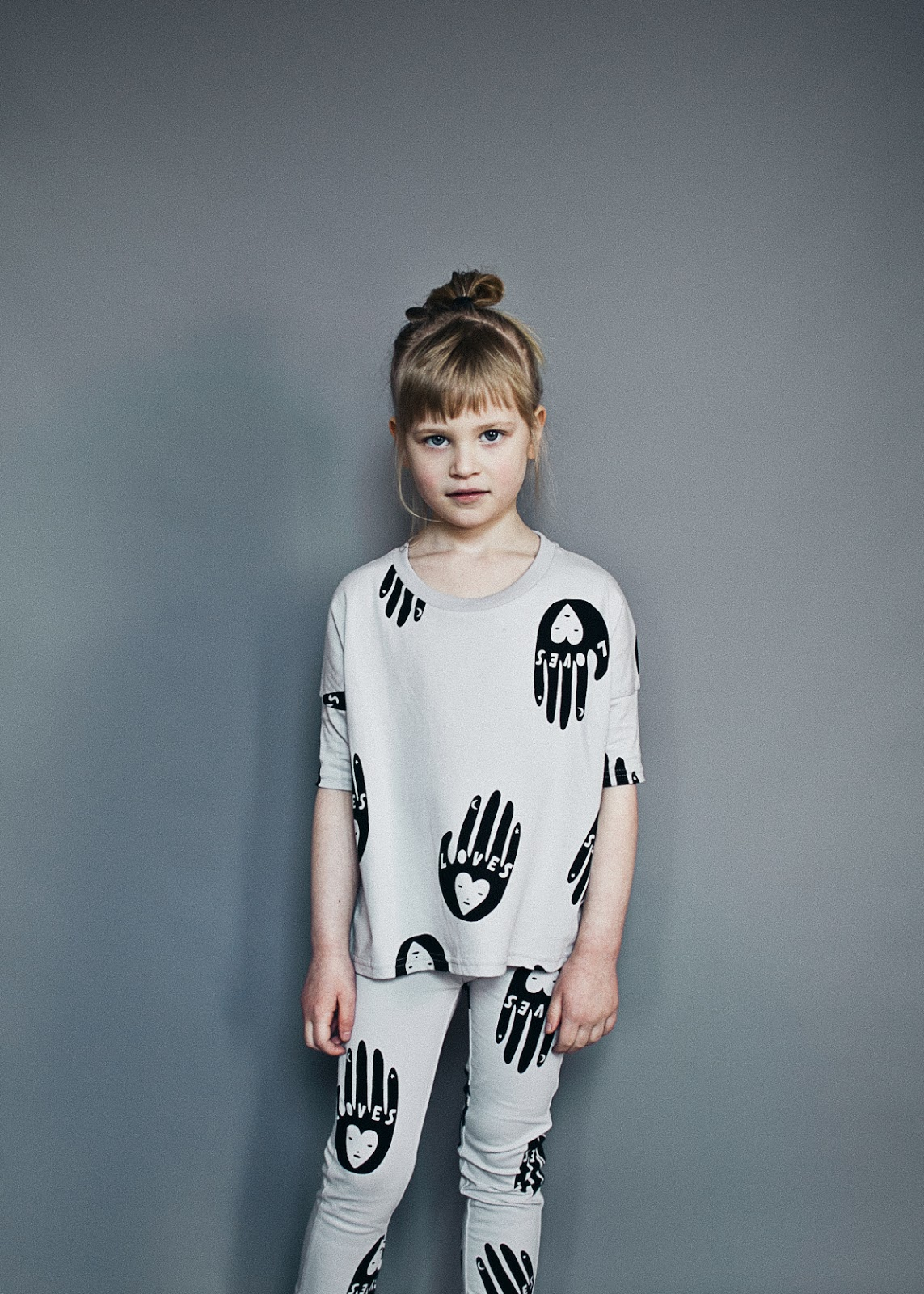 Beau LOves AW16 - love hands tee and leggings