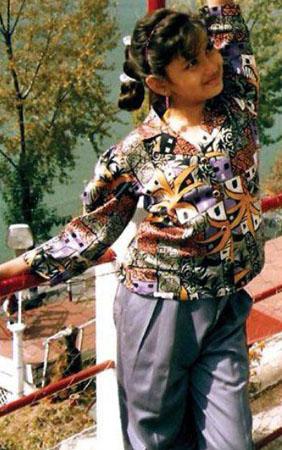 actress namitha childhood photos 1