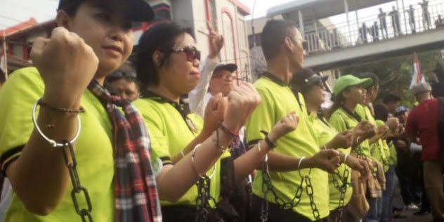 Netizen Bersyukur, Jelang Ramadhan Massa Pro Ahok Rantai Sendiri Tangan Mereka