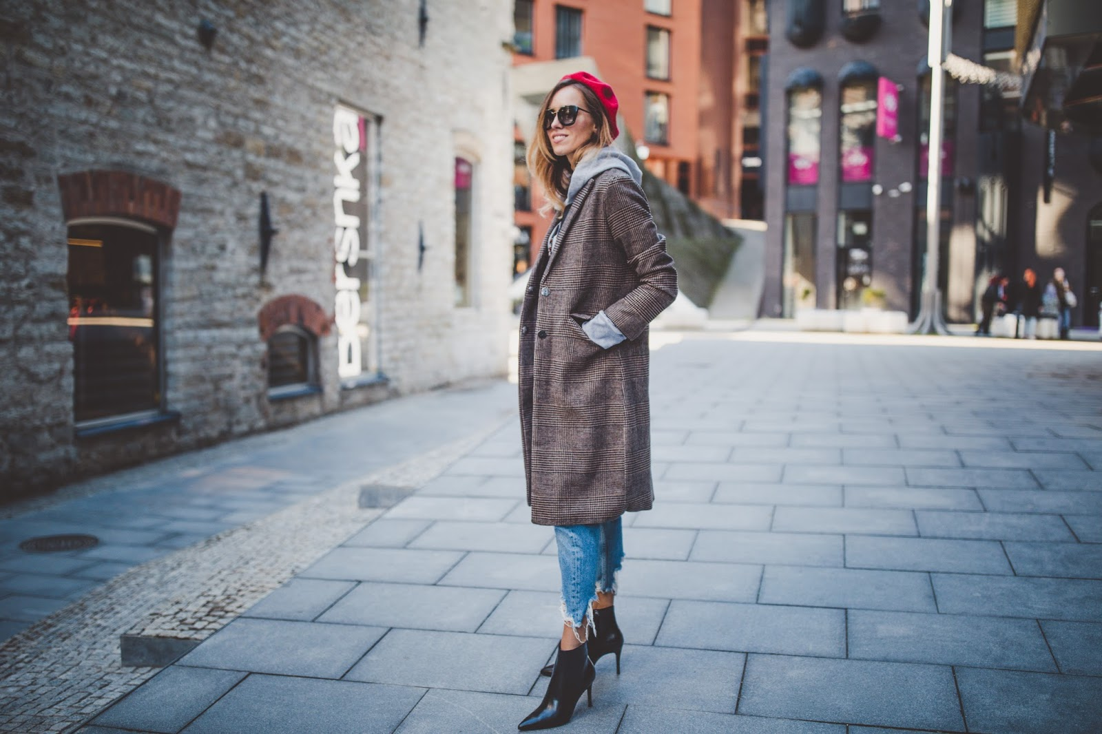 plaid print coat beret