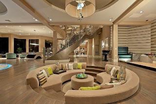 sala con techo moderno