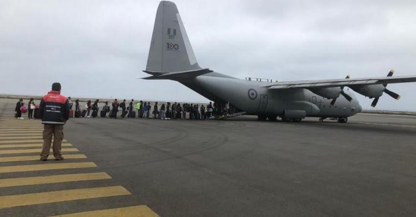 100 escolares y docentes retornaron de Ecuador en avión de la FAP, informó el Ministerio de Educación