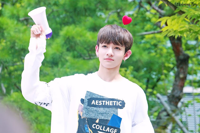 Kim samuel mini fan meeting