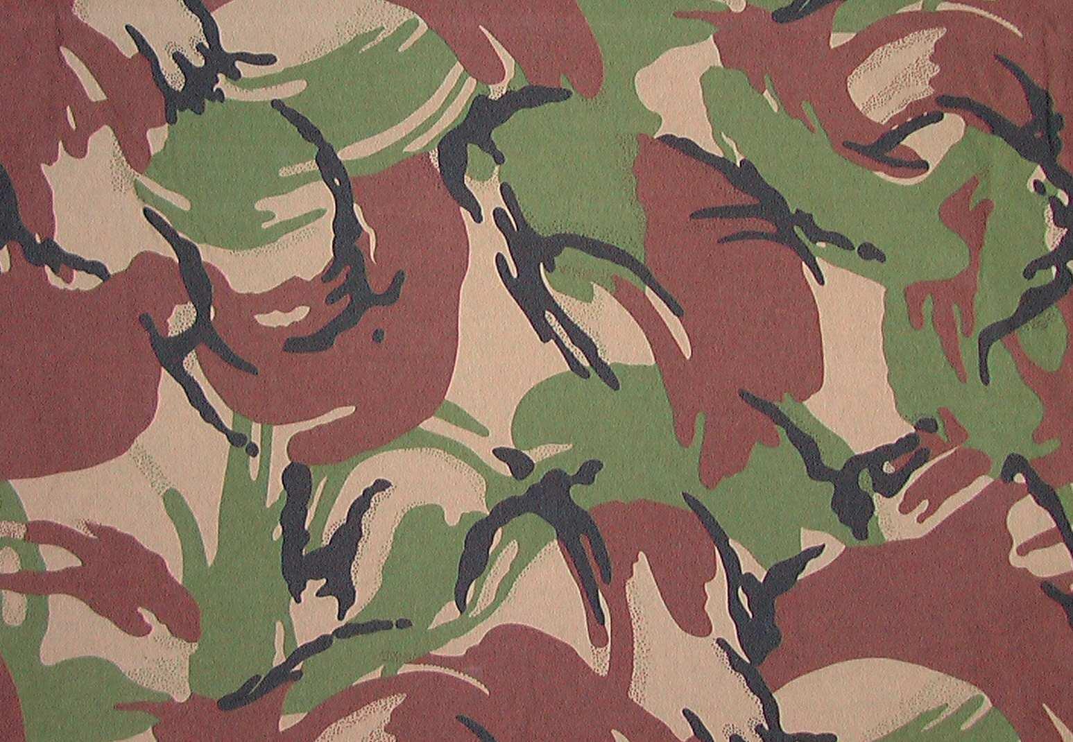 British Disruptive Pattern Material (DPM) Camo wallpaper