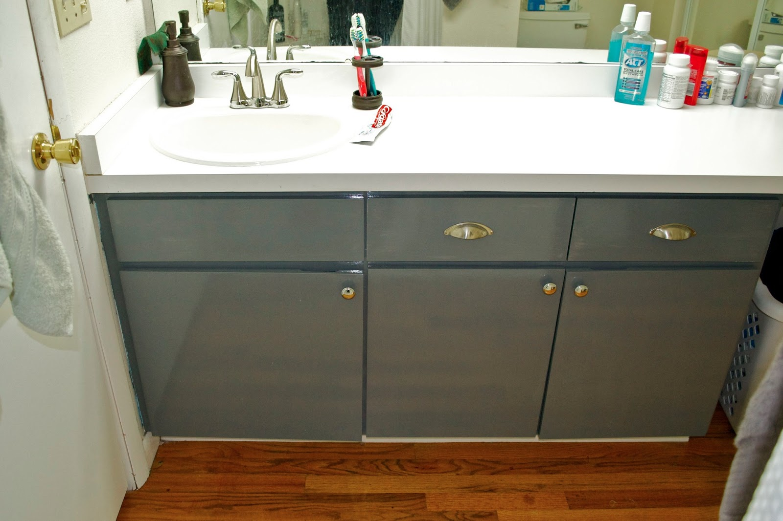 laminate bathroom cabinets ck and nate header painting a laminate vanity 22442