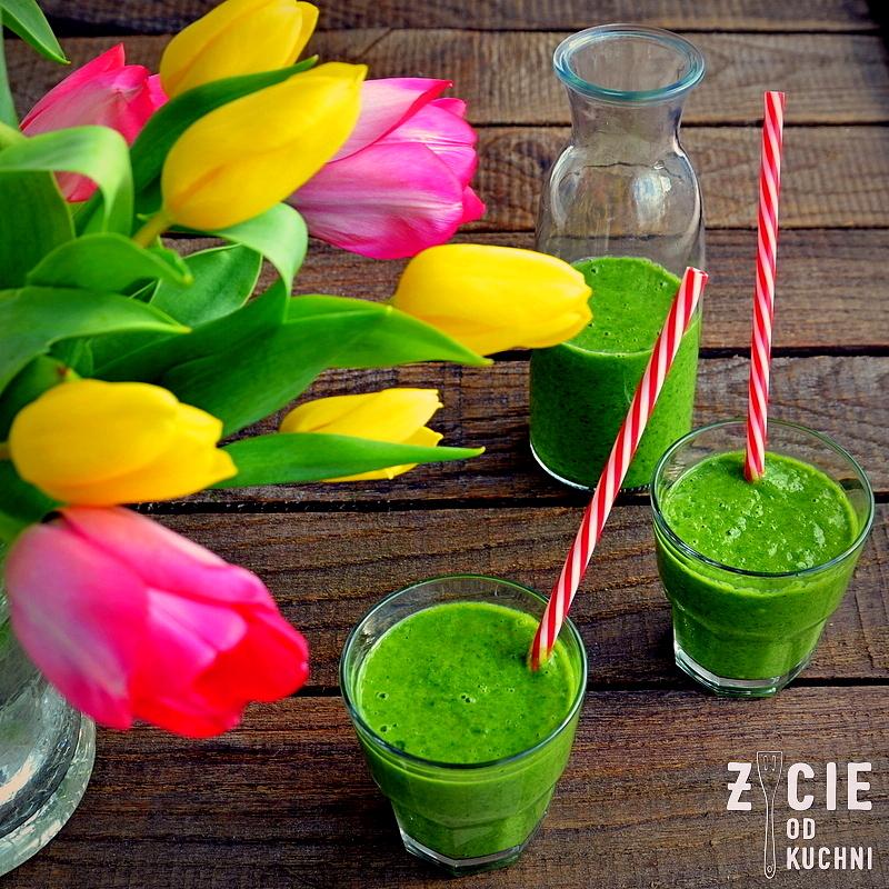 zielony smothie, koktajl z jarmuzu, zielony koktajl, zycie od kuchi