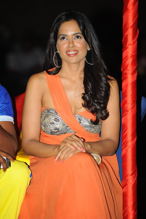 sameera reddy new , sameera reddy at ccl curtain raiser photo gallery