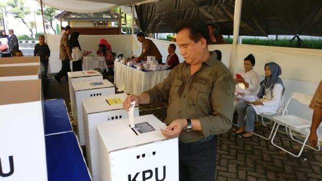 Tak Percaya Quick Count, Yusril Yakin PBB Lolos ke Senayan