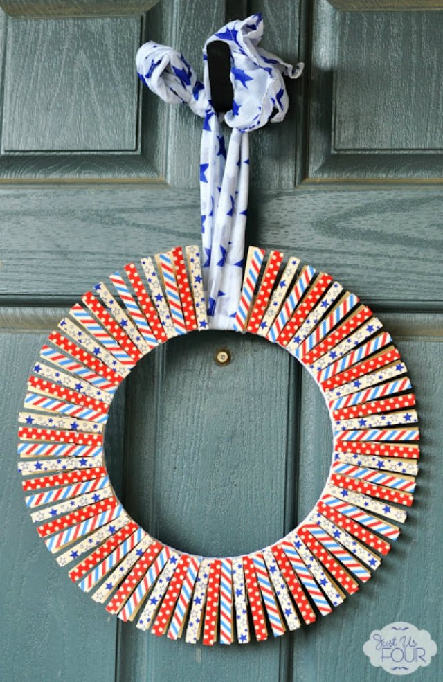 Love this washi tape wreath for the 4th of July!