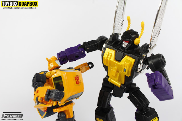 fanstoys forager vs transformers masterpiece bumblebee