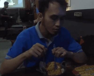 Informasi Kuliner Pedas Pontianak Kalimantan Barat yang menggugah selera,menantang,seru, dan pastinya bikin keringatan,berikut dokumentasi video kuliner pedas.