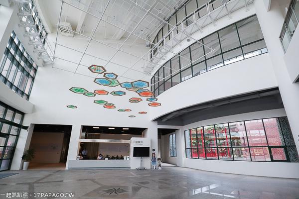台中大里|台中市纖維工藝博物館|台灣唯一以纖維時尚綠工藝為主題的博物館|6米石虎