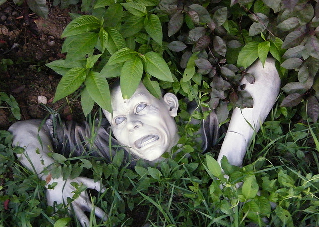 Gnombies Garden: Gnombie Apocalypse