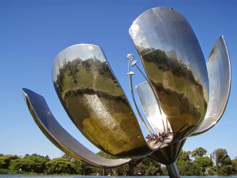 The Floralis Generica, a giant silver flower.