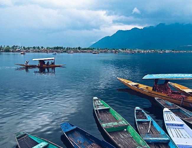 Boats in Dal Lake in Srinagar