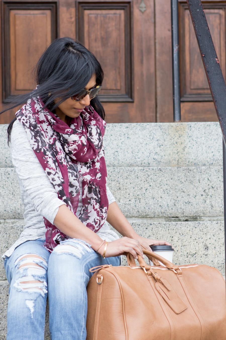historic houses of salem, weekender bag, cassidy, camel bag, oversized bag, american eagle outfitter jeans
