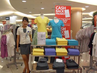 perbedaan pengertian arti definisi sales promotion girls spg agency jasa deskripsi pekerjaan job description berapa honor gaji event reguler mobile