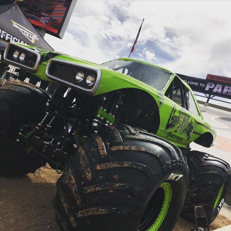 Coronet Monster Truck 1