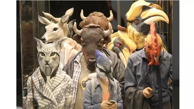 Karya Patung Manusia Berkepala Hewan