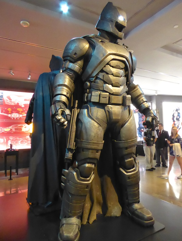 Armoured Mech Batsuit Batman v Superman