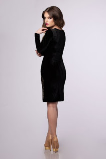 rochii-la-reducere-din-catifea-si-dantela-3