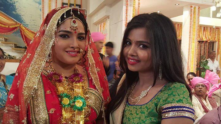 Amrapali Dubey Dulhan Look in Set of Aashiq Aawara Bhojpuri Film Shooting photo