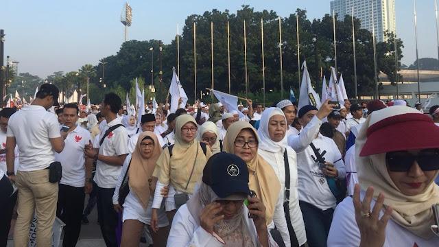 GBK Sudah Penuh, Pendukung Prabowo-Sandi Masih Terus Berdatangan