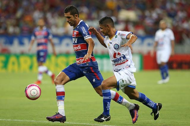Iguatu e Fortaleza se enfrentam nesta tarde no Estádio Morenão, em Iguatu. Foto: DN.