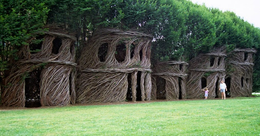 Patrick Dougherty - Stickwork (amazing sculptures!)