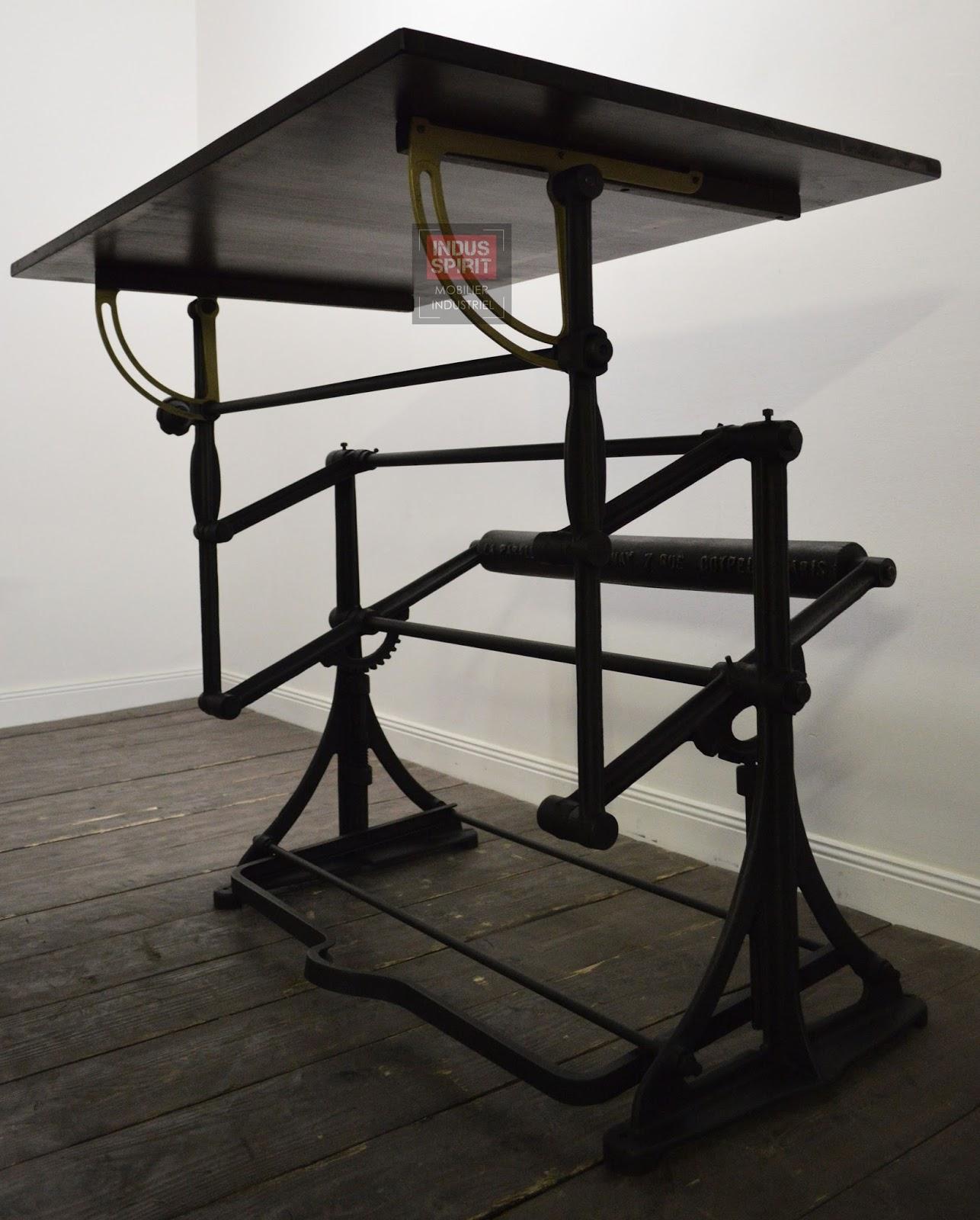 table dessin darnay. Black Bedroom Furniture Sets. Home Design Ideas