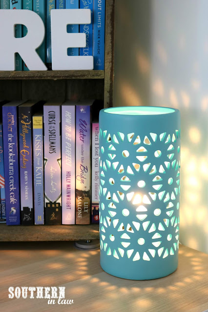 How to Create a Cosy Reading Nook In Your Home - Interior Design Home Ideas for Bookworms - Teal Ceramic Lamp