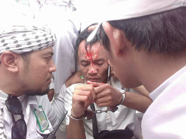 NEWS!! Satu Provokator Tertangkap Basah Oleh Anggota FPI Setelah Di Cek Ktp nya Ternyata Agamanya....