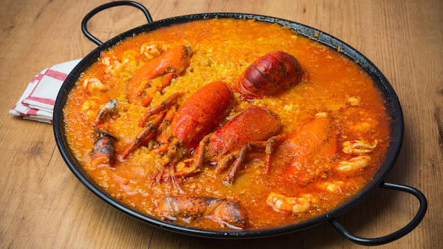 Arroz con bogavante (arroz with lobster)