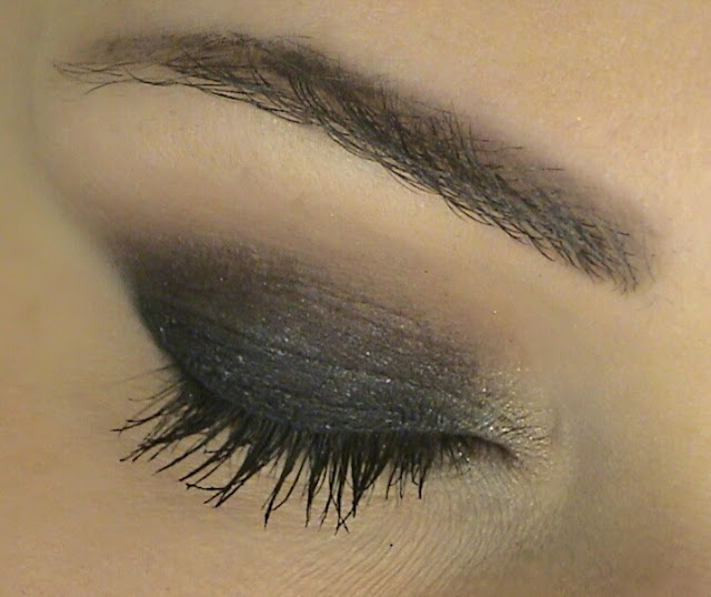 chic roe smokey eyes