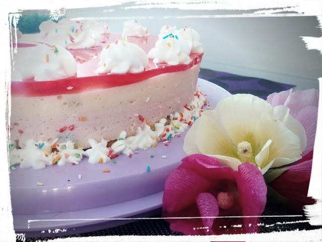 ciasto na zimno pianka truskawkowa brzoskwiniowa galaretka biszkopty dla dzieci