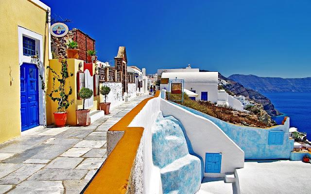 Passeio de lua de mel pelas ruas de Oia, Santorini