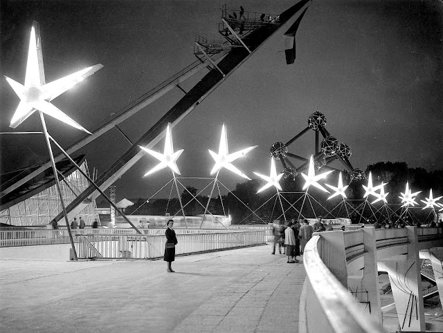 1958 wf walkway photograph with starbursts