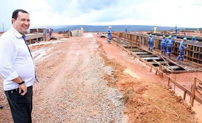 Prefeito Hildo do Candango implanta novo sistema de abastecimento de água em Águas Lindas