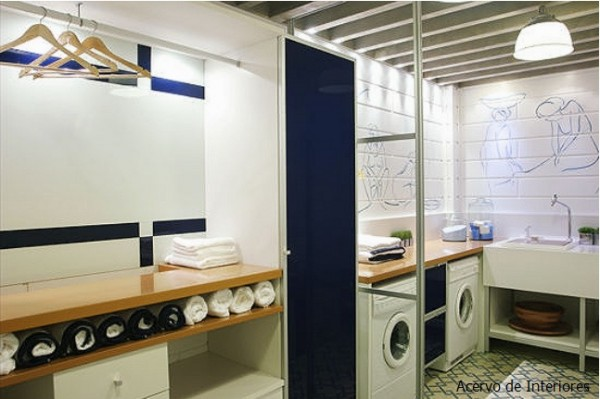 lavanderia branca e azul