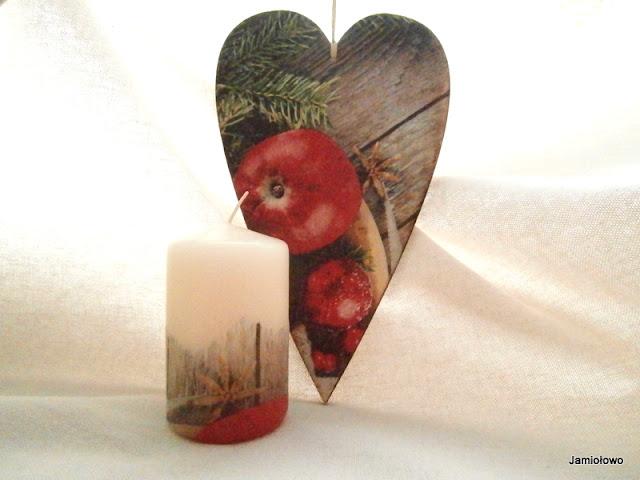 serce zawieszka i świeczka ozdobione serwetką z świątecznym motywem