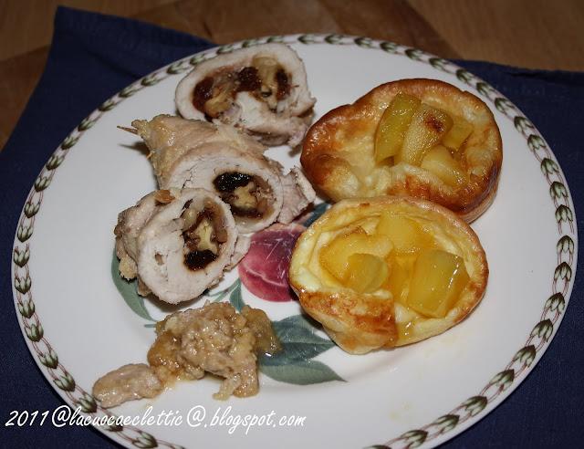 Involtini di pollo e popover con mele e miele