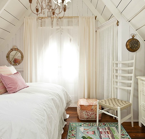 nautical cottage room