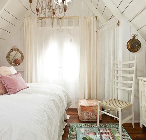 nautical cottage room