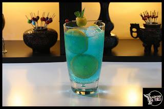 coctel burbujas azules