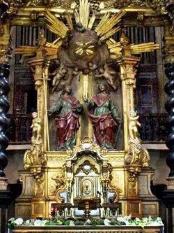 Altar mayor de la Iglesia de San Felipe y Santiago el Menor