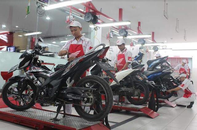 Mekanik-Honda-siap-layani-konsumen-2017