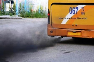 The emissions of diesel engines from this bus can cause air pollution and disrupt health