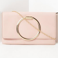 https://www.missguidedfr.fr/pochette-rose-avec-anneau-metallique